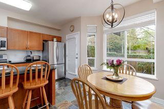 """Photo 5: 7 15 FOREST PARK Way in Port Moody: Heritage Woods PM Townhouse for sale in """"DISCOVERY RIDGE"""" : MLS®# R2436931"""