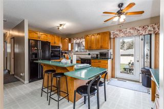 Photo 5: 2313 PINEWOOD Drive SE in Calgary: Southview Detached for sale : MLS®# C4294163