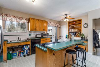 Photo 8: 2313 PINEWOOD Drive SE in Calgary: Southview Detached for sale : MLS®# C4294163