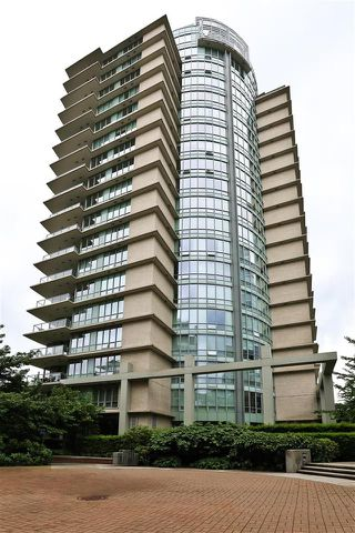 "Photo 32: 705 1328 MARINASIDE Crescent in Vancouver: Yaletown Condo for sale in ""THE CONCORD"" (Vancouver West)  : MLS®# R2463827"