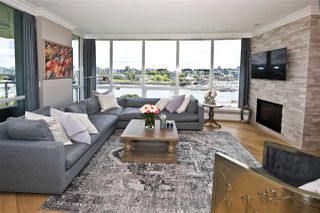 "Photo 2: 705 1328 MARINASIDE Crescent in Vancouver: Yaletown Condo for sale in ""THE CONCORD"" (Vancouver West)  : MLS®# R2463827"