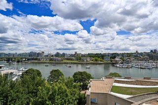 "Photo 1: 705 1328 MARINASIDE Crescent in Vancouver: Yaletown Condo for sale in ""THE CONCORD"" (Vancouver West)  : MLS®# R2463827"
