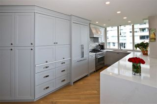 "Photo 9: 705 1328 MARINASIDE Crescent in Vancouver: Yaletown Condo for sale in ""THE CONCORD"" (Vancouver West)  : MLS®# R2463827"