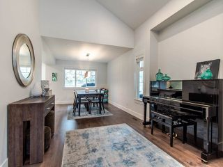 """Photo 7: 12 2780 150 Street in Surrey: Sunnyside Park Surrey Townhouse for sale in """"THE DAVENTRY"""" (South Surrey White Rock)  : MLS®# R2464358"""