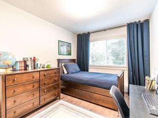"""Photo 12: 12 2780 150 Street in Surrey: Sunnyside Park Surrey Townhouse for sale in """"THE DAVENTRY"""" (South Surrey White Rock)  : MLS®# R2464358"""