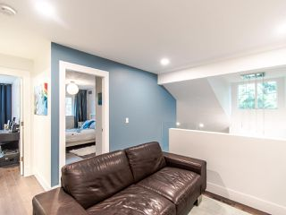 """Photo 11: 12 2780 150 Street in Surrey: Sunnyside Park Surrey Townhouse for sale in """"THE DAVENTRY"""" (South Surrey White Rock)  : MLS®# R2464358"""