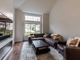 """Photo 6: 12 2780 150 Street in Surrey: Sunnyside Park Surrey Townhouse for sale in """"THE DAVENTRY"""" (South Surrey White Rock)  : MLS®# R2464358"""