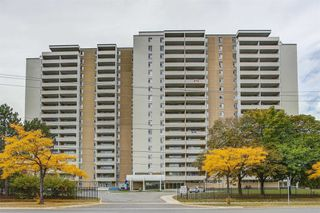 Photo 1: 1602 2550 Pharmacy Avenue in Toronto: L'Amoreaux Condo for sale (Toronto E05)  : MLS®# E5079345