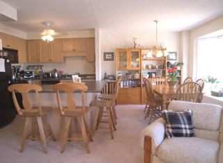 Photo 3: 59 Maple ridge Cres.: Freehold for sale : MLS®# n644952