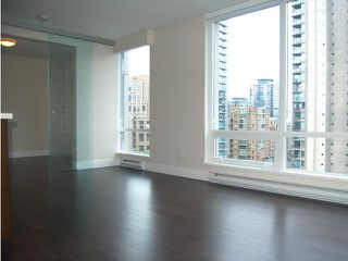 "Photo 5: 1205 535 SMITHE Street in Vancouver: Downtown VW Condo for sale in ""DOLCE AT SYMPHONY PLACE"" (Vancouver West)  : MLS®# V859110"