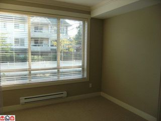 "Photo 5: 205 15368 17A Avenue in Surrey: King George Corridor Condo for sale in ""Ocean Wynde"" (South Surrey White Rock)  : MLS®# F1100152"