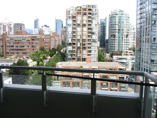 "Photo 11: 1408 1500 HORNBY Street in Vancouver: False Creek North Condo for sale in ""888 BEACH"" (Vancouver West)  : MLS®# V720670"