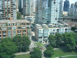 "Photo 13: 1408 1500 HORNBY Street in Vancouver: False Creek North Condo for sale in ""888 BEACH"" (Vancouver West)  : MLS®# V720670"
