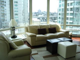 "Photo 2: 1408 1500 HORNBY Street in Vancouver: False Creek North Condo for sale in ""888 BEACH"" (Vancouver West)  : MLS®# V720670"