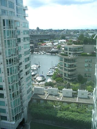 "Photo 5: 1408 1500 HORNBY Street in Vancouver: False Creek North Condo for sale in ""888 BEACH"" (Vancouver West)  : MLS®# V720670"