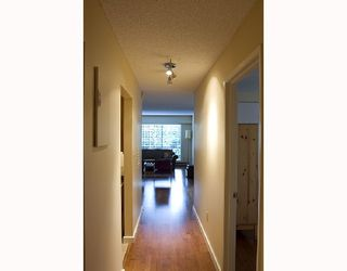 "Photo 10: 307 1717 HARO Street in Vancouver: West End VW Condo for sale in ""HARO GLEN"" (Vancouver West)  : MLS®# V729906"