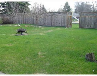 Photo 3: 54 BLUE SPRUCE Crescent in WINNIPEG: St Vital Residential for sale (South East Winnipeg)  : MLS®# 2808043