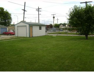 Photo 2:  in WINNIPEG: West Kildonan / Garden City Residential for sale (North West Winnipeg)  : MLS®# 2914369