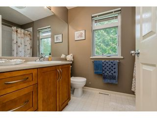 """Photo 16: 69 15 FOREST PARK Way in Port Moody: Heritage Woods PM Townhouse for sale in """"Discovery Ridge"""" : MLS®# R2398832"""