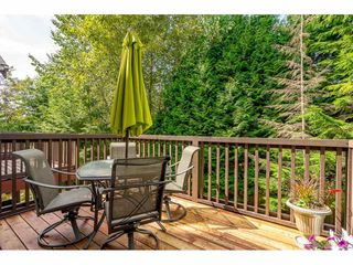 """Photo 2: 69 15 FOREST PARK Way in Port Moody: Heritage Woods PM Townhouse for sale in """"Discovery Ridge"""" : MLS®# R2398832"""