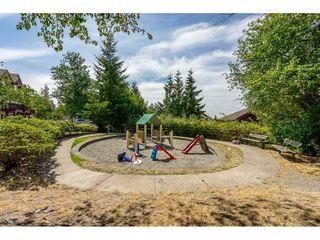"""Photo 19: 69 15 FOREST PARK Way in Port Moody: Heritage Woods PM Townhouse for sale in """"Discovery Ridge"""" : MLS®# R2398832"""