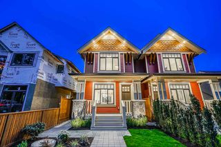 Photo 2: 370 E 16TH Avenue in Vancouver: Main House 1/2 Duplex for sale (Vancouver East)  : MLS®# R2454075