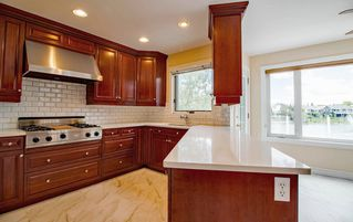 Photo 10: 11 Coachman Manor: Sherwood Park House for sale : MLS®# E4202658