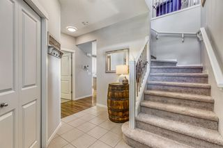 Photo 3: 835 NEW BRIGHTON Drive SE in Calgary: New Brighton Detached for sale : MLS®# A1032257
