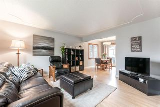 Photo 3: 5927 Thornton Road NW in Calgary: Thorncliffe Detached for sale : MLS®# A1040847