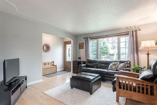 Photo 6: 5927 Thornton Road NW in Calgary: Thorncliffe Detached for sale : MLS®# A1040847