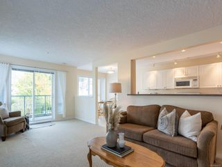 Photo 3: 211 9840 Fifth St in : Si Sidney North-East Condo for sale (Sidney)  : MLS®# 859317
