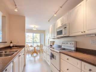 Photo 2: 211 9840 Fifth St in : Si Sidney North-East Condo for sale (Sidney)  : MLS®# 859317