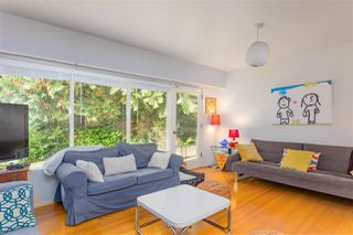 Photo 2: 696 KERRY Place in North Vancouver: Delbrook House for sale : MLS®# R2514981
