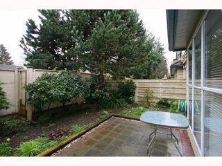 "Photo 10: 26 7695 ST ALBANS Road in Richmond: Brighouse South Townhouse for sale in ""BRISTOL GARDEN"" : MLS®# V815343"