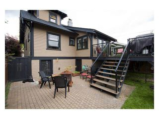 "Photo 7: 2356 CHARLES Street in Vancouver: Grandview VE House for sale in ""COMMERCIAL DRIVE"" (Vancouver East)  : MLS®# V826451"