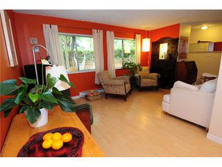 Photo 2: 2 1255 E 15TH Avenue in Vancouver: Mount Pleasant VE Townhouse for sale (Vancouver East)  : MLS®# V852184