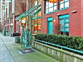 """Photo 1: 937 HOMER Street in Vancouver: Downtown VW Townhouse for sale in """"PINNACLE"""" (Vancouver West)  : MLS®# V866402"""