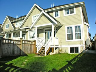 "Photo 17: 22984 BILLY BROWN Road in Langley: Fort Langley House for sale in ""BEDFORD LANDING"" : MLS®# F2903096"