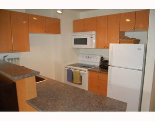 """Photo 4: 814 1330 BURRARD Street in Vancouver: Downtown VW Condo for sale in """"ANCHOR POINT 1"""" (Vancouver West)  : MLS®# V757308"""