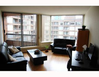 """Photo 2: 814 1330 BURRARD Street in Vancouver: Downtown VW Condo for sale in """"ANCHOR POINT 1"""" (Vancouver West)  : MLS®# V757308"""