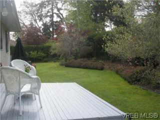 Photo 13: 3982 Blue Ridge Pl in VICTORIA: SW Strawberry Vale House for sale (Saanich West)  : MLS®# 502444