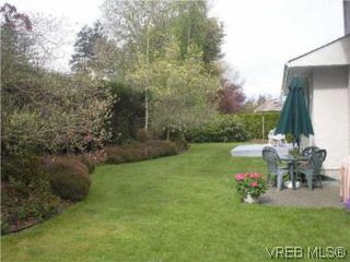 Photo 12: 3982 Blue Ridge Pl in VICTORIA: SW Strawberry Vale House for sale (Saanich West)  : MLS®# 502444
