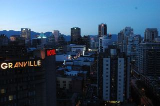 """Photo 13: 2002 1155 SEYMOUR Street in Vancouver: Downtown VW Condo for sale in """"BRAVA"""" (Vancouver West)  : MLS®# V775700"""