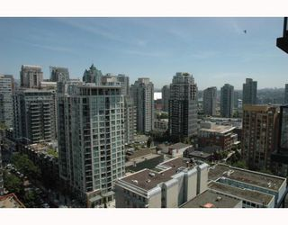 """Photo 8: 2002 1155 SEYMOUR Street in Vancouver: Downtown VW Condo for sale in """"BRAVA"""" (Vancouver West)  : MLS®# V775700"""