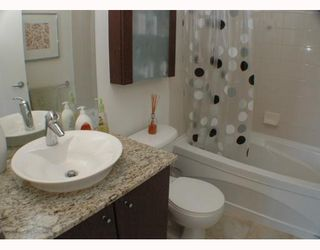 """Photo 7: 2002 1155 SEYMOUR Street in Vancouver: Downtown VW Condo for sale in """"BRAVA"""" (Vancouver West)  : MLS®# V775700"""