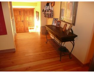 Photo 8: 6413 SAMRON Road in Sechelt: Sechelt District House for sale (Sunshine Coast)  : MLS®# V778983