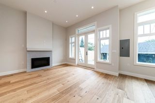Photo 6: 941 E 24TH Avenue in Vancouver: Fraser VE 1/2 Duplex for sale (Vancouver East)  : MLS®# R2407771
