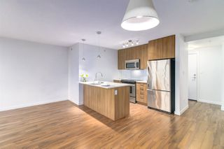 """Photo 5: 1808 13325 102A Avenue in Surrey: Whalley Condo for sale in """"Ultra Surrey City Centre"""" (North Surrey)  : MLS®# R2412195"""