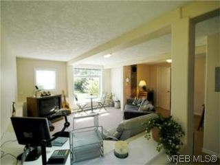 Photo 16: 1117 Wychbury Ave in VICTORIA: Es Saxe Point Single Family Detached for sale (Esquimalt)  : MLS®# 512876