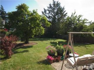 Photo 4: 1117 Wychbury Ave in VICTORIA: Es Saxe Point House for sale (Esquimalt)  : MLS®# 512876
